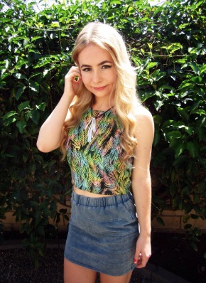 barefoot belle sustainable daisy crop top